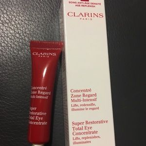Clarins Super Restorative Total Eye concentrate.